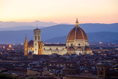 Opinião de Sunst da catedral Santa Maria del Fiore, Florença Foto de Stock