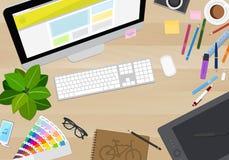 Opinião de tampo da mesa do desenhista, confusão criativa, ilustração do vetor Imagens de Stock Royalty Free