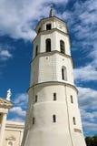 Opinião de torre de Gediminas Bell, quadrado da catedral, Vilnius, Lituânia fotografia de stock royalty free