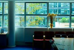 Opinião de vidro do escritório Fotos de Stock