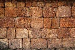 Opinião dianteira da textura áspera grande da parede de tijolo, Fotografia de Stock