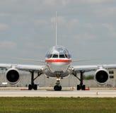Opinião dianteira do avião do jato Imagem de Stock