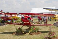 Opinião dianteira do avião vermelho de Pitts S-1S Fotografia de Stock Royalty Free