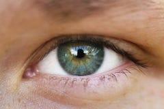 Opinião dianteira do close up adolescente verde do olho da menina exterior Fotografia de Stock