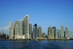 Opinião do amanhecer de arranha-céus da Cidade do Panamá fotos de stock royalty free