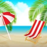 Opinião do beira-mar com uma palma, uma cadeira de praia e um guarda-chuva Fotografia de Stock Royalty Free