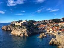 Opinião do beira-mar da Croácia de Dubrovnik fotos de stock