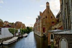 Opinião do canal de Bruges imagens de stock royalty free