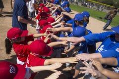 Opinião do carvalho, Califórnia, EUA, o 7 de março de 2015, campo da liga júnior do vale de Ojai, basebol da juventude, divisão d Fotografia de Stock
