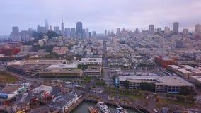 Opinião do centro aérea de San Francisco de cima durante do tempo do por do sol vídeos de arquivo