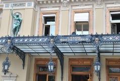 Opinião do close-up da fachada do casino grande em Monte Carlo fotografia de stock