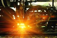 Opinião do close up das rodas velhas de um vagão railway Imagens de Stock