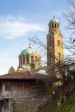 Opinião do dia da catedral em Veliko Tarnovo, Bulgária Imagem de Stock