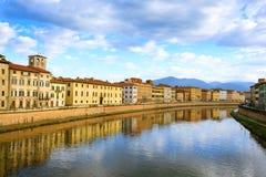 Opinião do dia de Pisa, Toscânia, Itália Imagens de Stock Royalty Free