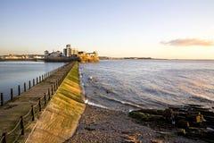 Opinião do fim da tarde através da calçada no lago marinho, Weston SU fotos de stock royalty free