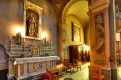 Opinião do interior da igreja católica. Fotos de Stock Royalty Free