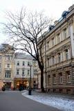 Opinião do inverno do tempo de manhã atrasada da cidade de Vilnius Fotos de Stock