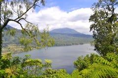 Opinião do lago Buyan em Bali Fotografia de Stock