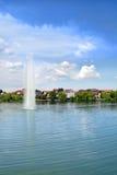 Opinião do lago coastline Fotos de Stock