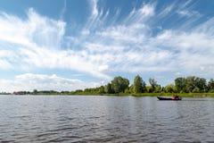 Opinião do lago em Giethoorn Foto de Stock