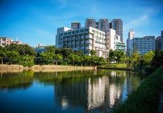 Opinião do lago na universidade de Shenzhen, China Imagem de Stock