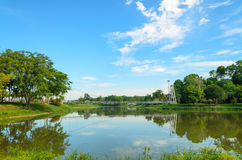 Opinião do lago no parque Imagens de Stock Royalty Free