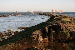 Opinião do mar de Punta San García, perto de Algeciras. Fotos de Stock
