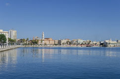 Opinião do mar e da cidade de Bari, Apulia, Itália Imagens de Stock Royalty Free