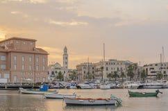Opinião do mar e da cidade de Bari, Apulia, Itália Fotografia de Stock Royalty Free