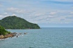 Opinião do mar eu fiz a fotografia da ponte de Taksin Maharat na província de Chanthaburi imagem de stock