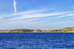 Opinião do mar Mediterrâneo de Mgarr em Gozo, Malta foto de stock royalty free
