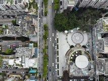 Opinião do meio do ar na cidade imagens de stock