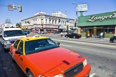 Opinião do meio-dia ao cruzamento Foto de Stock Royalty Free