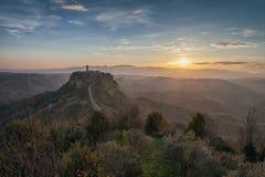 Opinião do nascer do sol Civita di Bagnoregio, Lazio, Itália Imagens de Stock