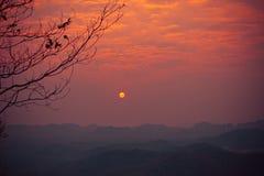Opinião do nascer do sol na cume Fotos de Stock Royalty Free