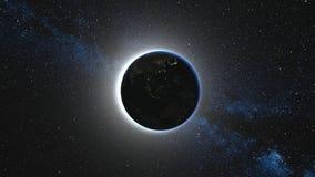 Opinião do nascer do sol do espaço na terra e no Sun do planeta vídeos de arquivo