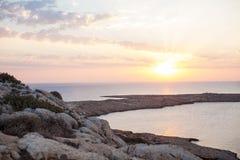 Opinião do nascer do sol do ponto de vista superior do cabo Greco em Cyrpus imagem de stock
