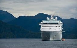 Opinião do navio de cruzeiros imagem de stock royalty free