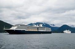Opinião do navio de cruzeiros fotografia de stock