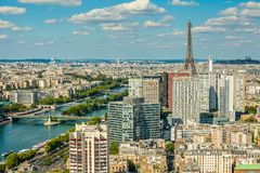 Opinião do olho de Bird's de Paris Árvore no campo Fotos de Stock Royalty Free