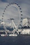 Opinião do olho de Londres da ponte de Westminster Imagens de Stock