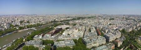 Opinião do pássaro de Paris e de seine foto de stock