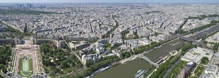 Opinião do pássaro de Paris e de seine fotografia de stock royalty free