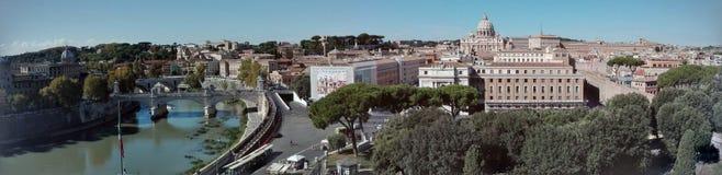 Opinião do panorama do €™Angelo de Castel Santâ da skyline de Roma fotografia de stock royalty free