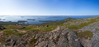 Opinião do panorama da baía do mar branco foto de stock