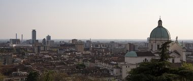 Opinião do panorama da cidade de Bríxia fotografia de stock