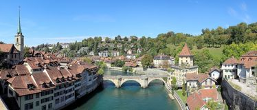 A opinião do panorama da cidade do tesouro do mundo, Bern Switzerland Foto de Stock Royalty Free