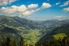 Opinião do panorama do ` de Ahornberg do ` do moutain em Zillertal/Áustria Imagens de Stock