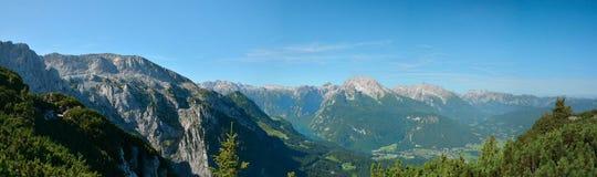 A opinião do panorama de Berchtesgaden e de Konigsee de Kehlsteinhaus cobre Foto de Stock