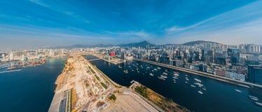 Opinião do panorama Hong Kong City From o céu Foto de Stock